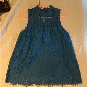 XS blue high neck lace top longer fitting